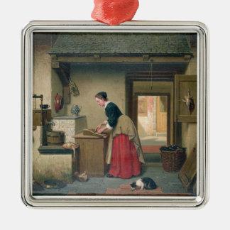 En la despensa, 1868 (aceite en el panel) adorno cuadrado plateado
