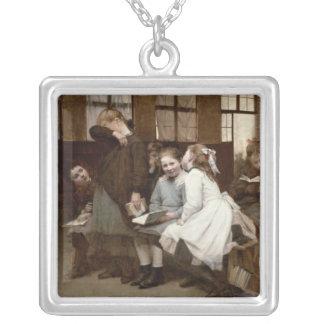 En la detención, 1888 collar plateado