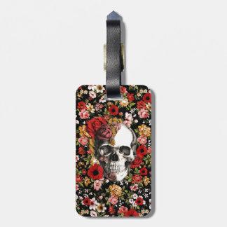 En la floración estampado de flores retro con el etiquetas de maletas