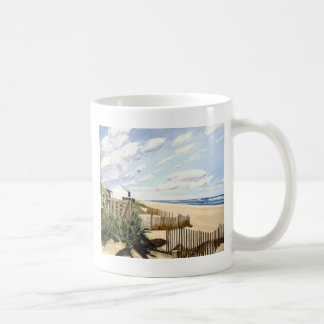En la playa taza básica blanca