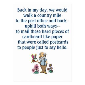 En la postal divertida de los viejos días