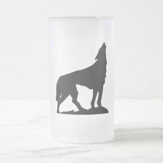 En la sombra del lobo taza de cristal