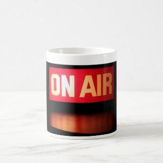 En la taza de la difusión del aire