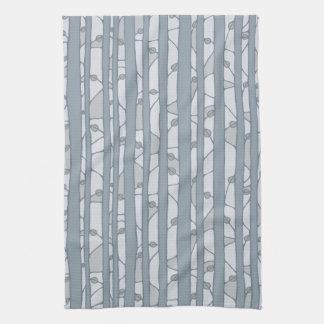 En la toalla de cocina gris de maderas