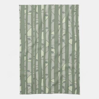 En la toalla de cocina verde de maderas