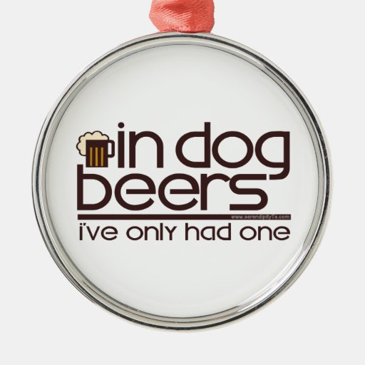En las cervezas del perro (w/Mug) Adorno De Reyes