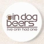 En las cervezas del perro (w/Mug) Posavasos Manualidades