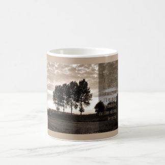 En los árboles crecidos altos taza