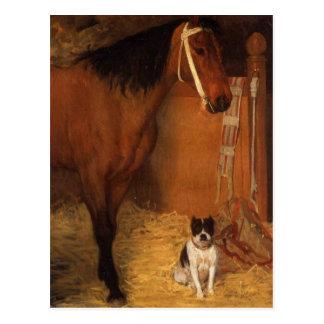 En los establos, el caballo y el perro de Edgar Tarjetas Postales