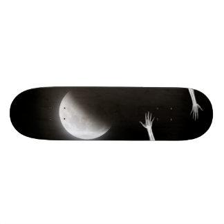 En los muertos de la noche skate boards