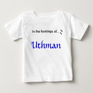 En los pasos… de 'Uthman (ra) Playera De Bebé