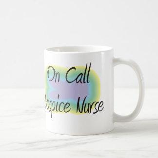 En los regalos de la enfermera del hospicio de la  taza