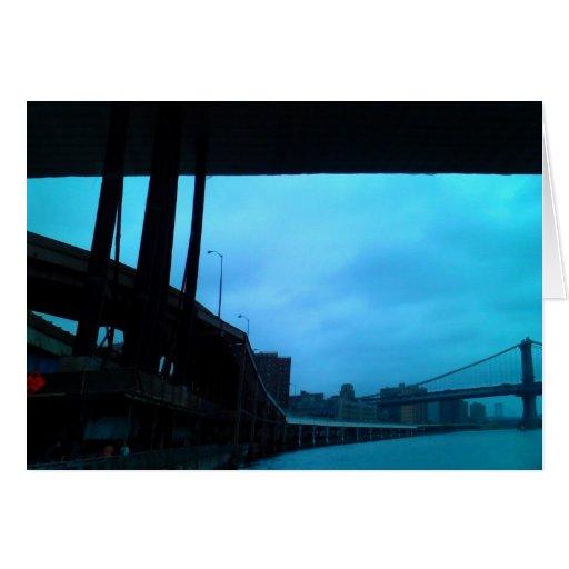 """""""en Manhattan, debajo tarjeta de felicitación de l"""