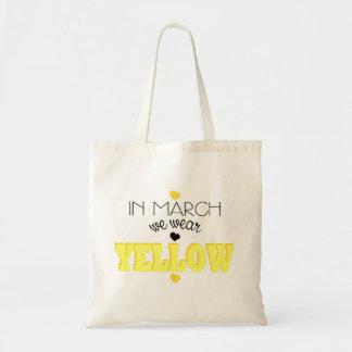 En marzo llevamos el tote amarillo de la endometri bolsas lienzo