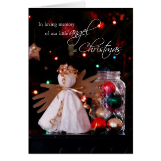 En memoria cariñosa de nuestro ángel en el navidad tarjeta de felicitación