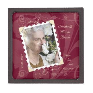 En memoria de la caja de regalo floral de la foto  caja de joyas de calidad