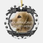 En memoria de su perro recordado para siempre adornos