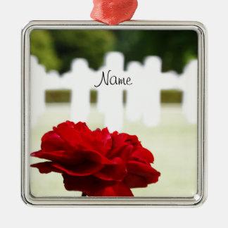 En memoria de un soldado caido adorno cuadrado plateado