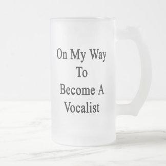 En mi manera de hacer un vocalista tazas