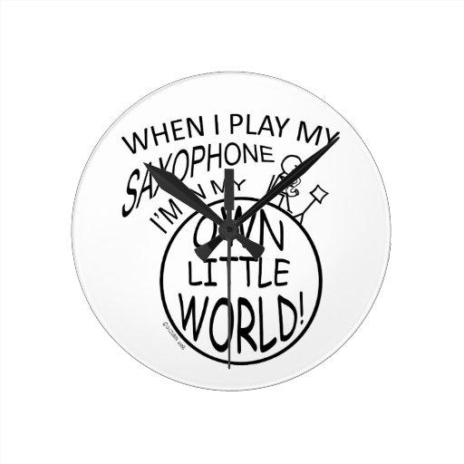 En mi propio pequeño saxofón del mundo reloj