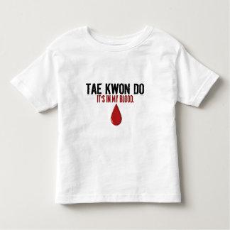 En mi sangre el TAEKWONDO Playeras