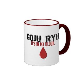 En mi sangre GOJU RYU Taza De Dos Colores