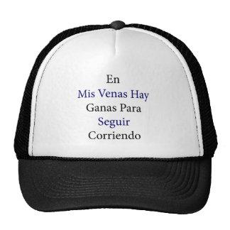 En Mis Venas Hay Ganas Para Seguir Corriendo Trucker Hat