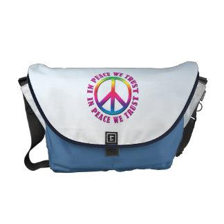 En paz confiamos en bolsas de mensajería