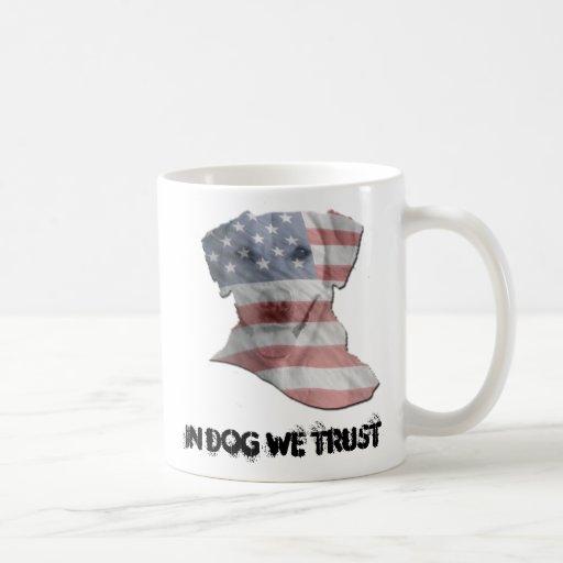 En perro confiamos en la taza