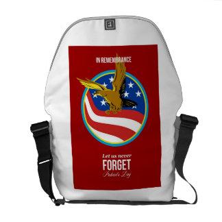 En poster retro del día de los patriotas de la con bolsa messenger