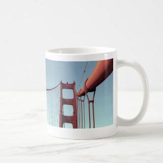 En puente Golden Gate Taza Básica Blanca
