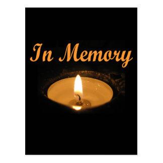 En resplandor de la vela de la memoria tarjetas postales