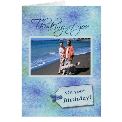 En su cumpleaños - plantilla de la tarjeta de la f