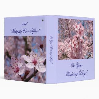 En sus flores del rosa del álbum de la carpeta del