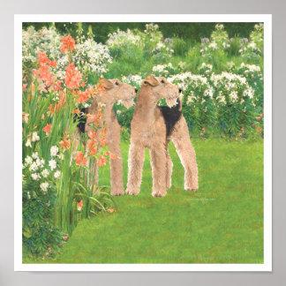 En un jardín de flores póster