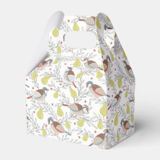 En un peral cajas para regalos de fiestas