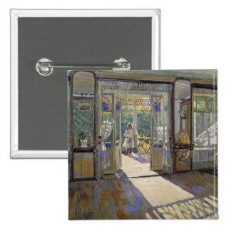 En una casa, 1913 pin cuadrado