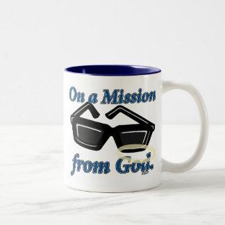 En una misión de dios taza de café de dos colores