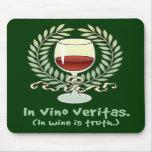 En vino es la verdad alfombrillas de ratones