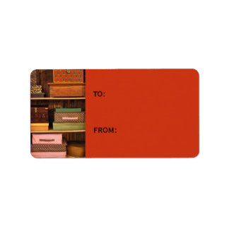 Encajona la etiqueta anaranjada del regalo etiqueta de dirección