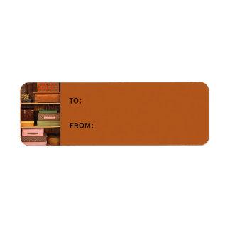 Encajona la pequeña etiqueta del regalo etiqueta de remite