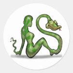 Encantador de serpiente etiquetas redondas