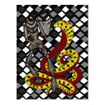 Encantador de serpiente (la serpiente y el robot) tarjetas postales