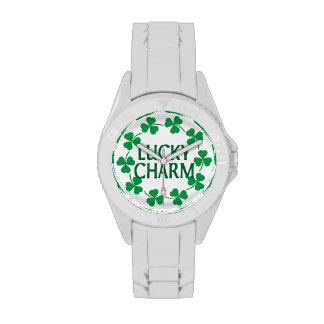 Encanto afortunado de los tréboles relojes de mano