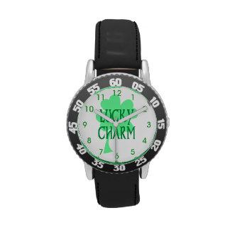 Encanto afortunado del trébol relojes de pulsera