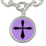 Encanto cruzado gótico pulsera