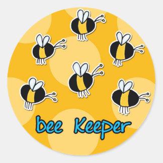 encargado de la abeja etiquetas redondas