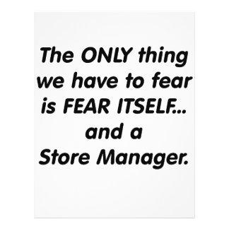 Encargado de tienda del miedo tarjeton