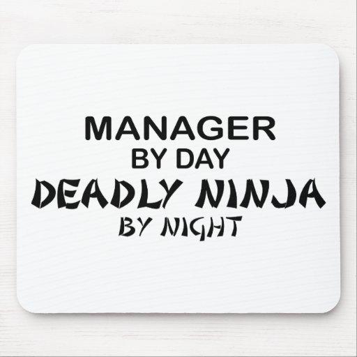 Encargado Ninja mortal por noche Tapetes De Ratones