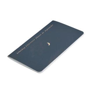 Encerar la luna creciente en acuario cuadernos grapados